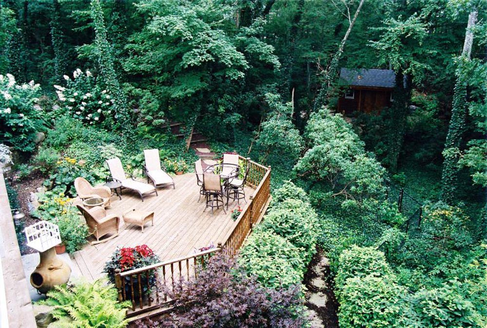 Floating Deck aerial view, outdoor living in nature